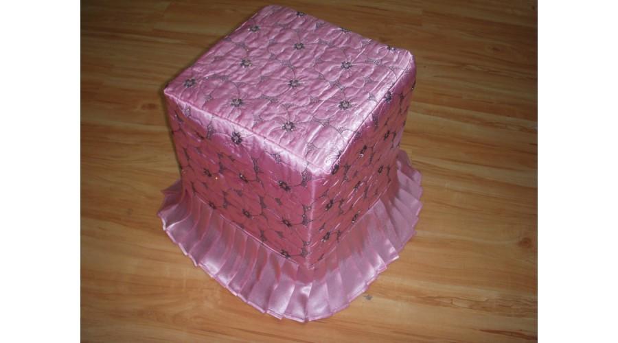 Roze tabure
